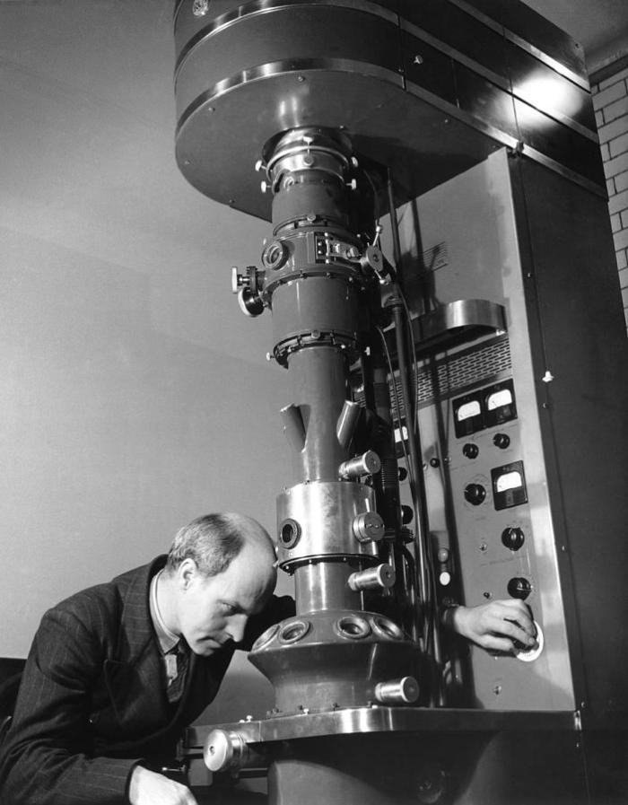 Early Electron Microscope copy